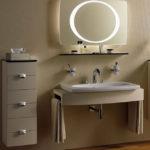 Фото: Необычное зеркало с подсветкой