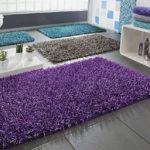 Фото: Пушистый коврик в ванную