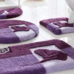 Фото: Фиолетовые коврики для ванной комнаты