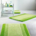 Фото: Зеленый коврик в ванную комнату