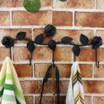 Фото: Металлические крючки для полотенец