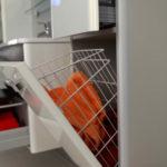 Фото: Тубмба с корзиной хорошо экономит пространство