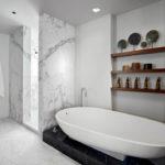 Фото: Дизайн светлой ванной комнаты