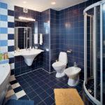 Фото: Небольшая синяя ванная комната