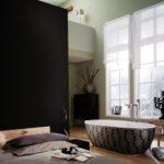 Коричневая ванная в спальне