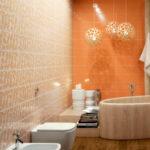 Необычные люстры для оранжевой ванной