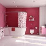 Ярко розовые стены в ванной комнате